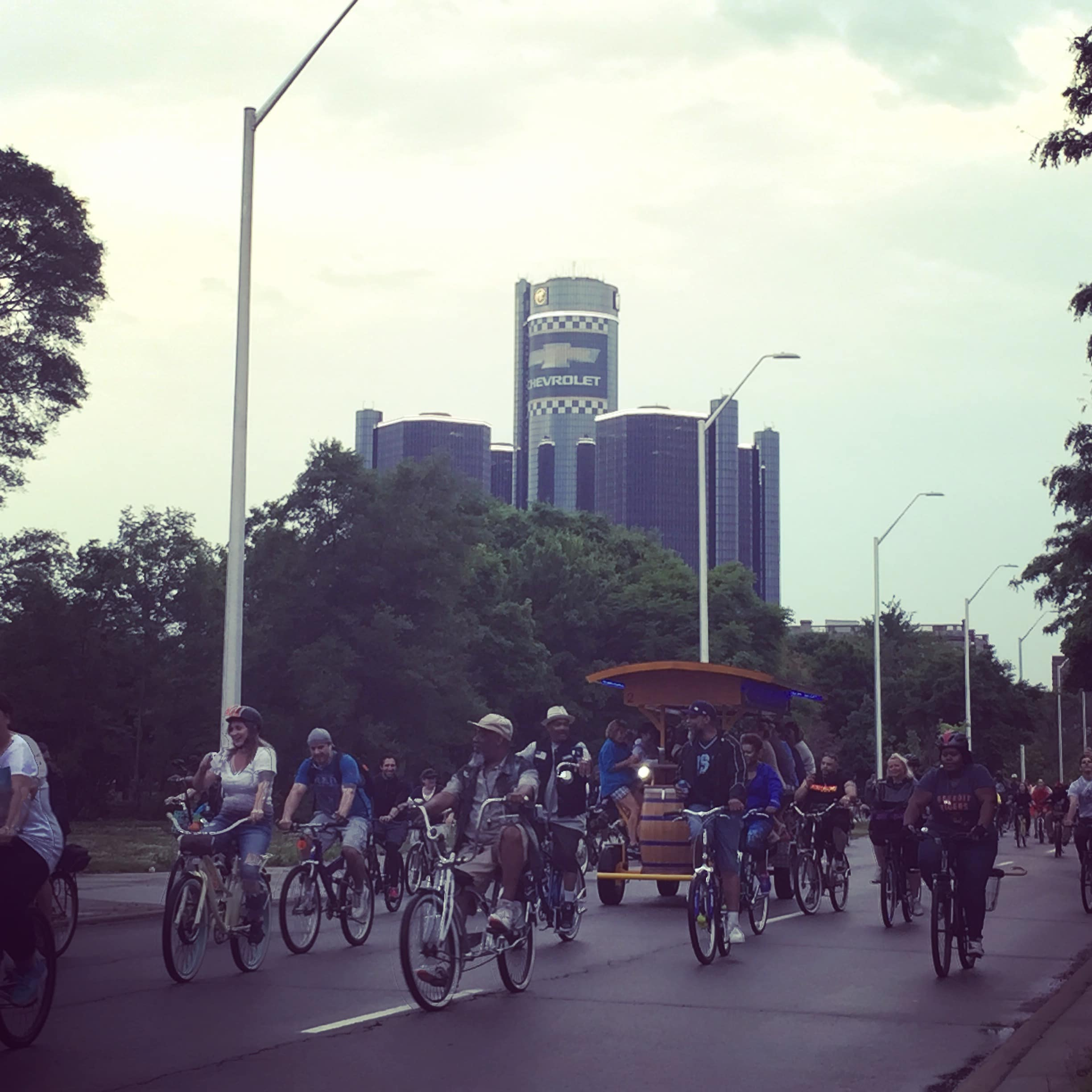 handlebar Detroit pedal pub participating in Detroit's Slow Roll